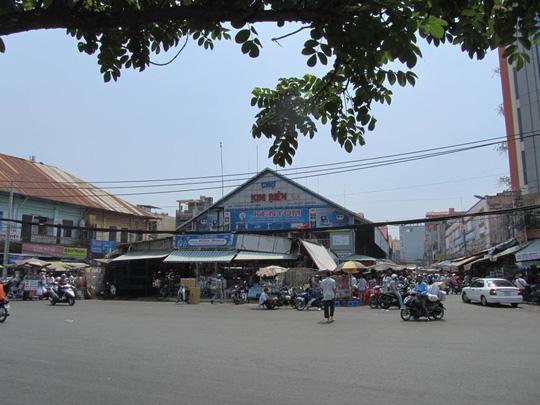 sạp mỹ phâm chợ kim biên